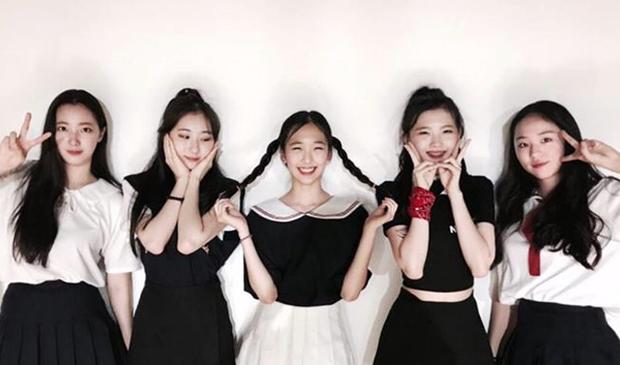 5 girlgroup ra mắt 2020: Gà SM giấu kĩ đội hình, nhóm tái cấu trúc hậu debut thất bại, em gái MAMAMOO tiềm năng với nhiều màn cover ấn tượng - Ảnh 5.