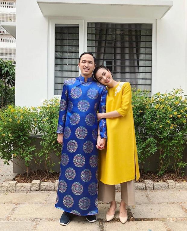 Cứ Mùng 1 Tết, vợ chồng Hà Tăng lại xúng xính áo dài du xuân: Hơn 1 thập kỷ gắn kết, chưa bao giờ quên nắm chặt tay! - Ảnh 4.