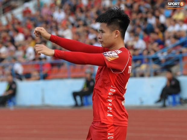 Đội hình cầu thủ Việt tuổi Tý: Chuột gắt gọi tên Duy Mạnh, bất ngờ với chuột già 36 tuổi vẫn đẳng cấp - Ảnh 7.