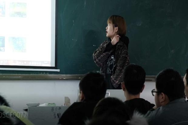 Nữ quán quân Liên Minh Huyền Thoại trở thành cô giáo dạy chơi game eSports - Ảnh 2.