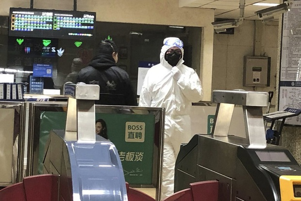 Choáng váng: Ngày càng nhiều người nhiễm virus Vũ Hán, số lượng đã lên tới gần 1400 người trên toàn thế giới - Ảnh 1.