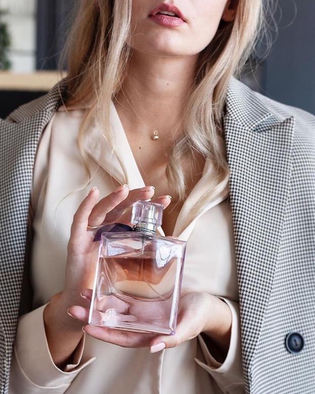 Bất ngờ khi biết những loại nước hoa mà phụ nữ Pháp yêu thích nhất, cũng là gợi ý cực hay để diện dịp đầu Xuân - Ảnh 2.