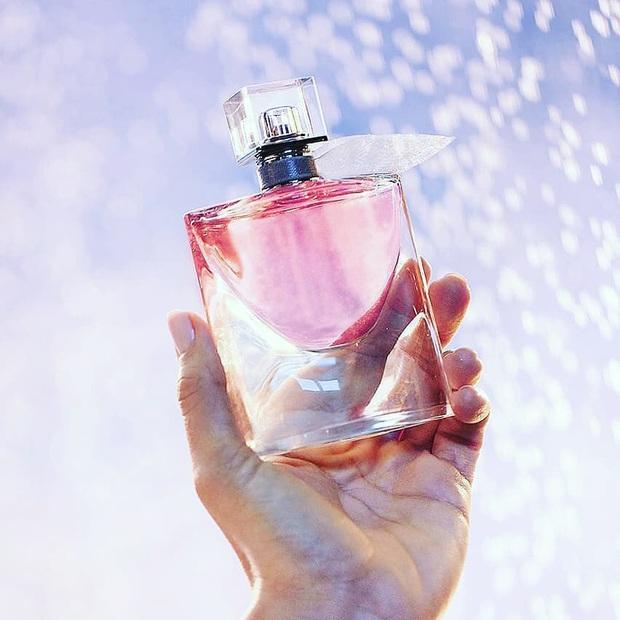 Bất ngờ khi biết những loại nước hoa mà phụ nữ Pháp yêu thích nhất, cũng là gợi ý cực hay để diện dịp đầu Xuân - Ảnh 3.