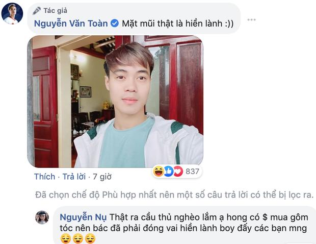 Mồng 1 Tết của cầu thủ tuổi Tý Nguyễn Văn Toàn: Ăn mì tôm ngấu nghiến như bị bỏ đói mấy ngày, bị Đức Huy doạ vào Facebook của bố troll lầy lội - Ảnh 2.