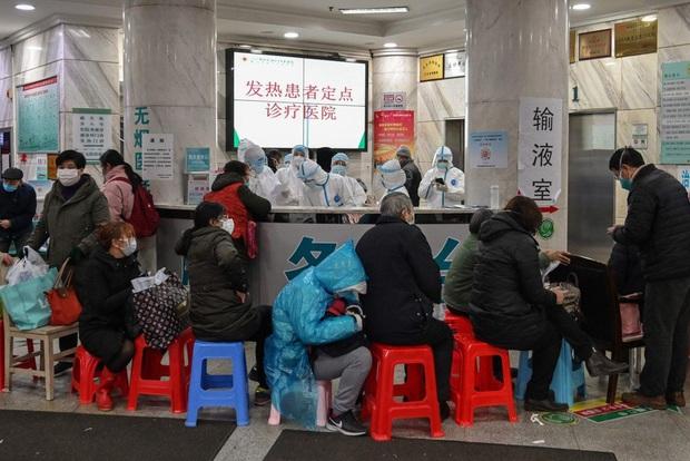 Du học sinh Trung Quốc vừa về nhà lại gặp virus Vũ Hán: Bữa ăn đoàn viên gượng gạo, người thân bị ốm cũng không dám đưa đi viện - Ảnh 3.