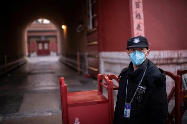 Tình hình đón Tết ở Trung Quốc giữa đại dịch: Đền chùa, khu vui chơi bị đóng cửa, giao thông ngừng hoạt động...thành phố vắng như bị bỏ hoang - Ảnh 2.