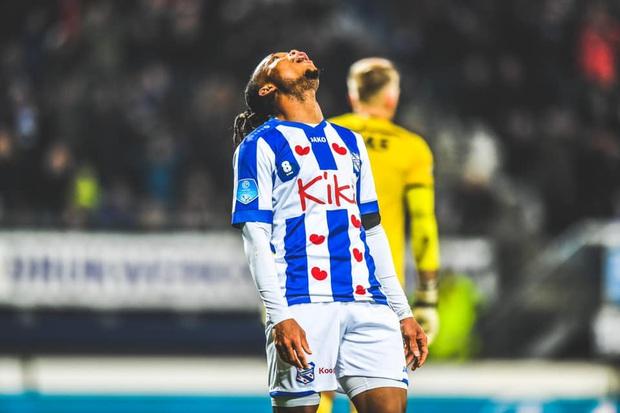 Văn Hậu tiếp tục dự bị, bất lực nhìn Heerenveen thua thảm trên sân nhà - Ảnh 2.