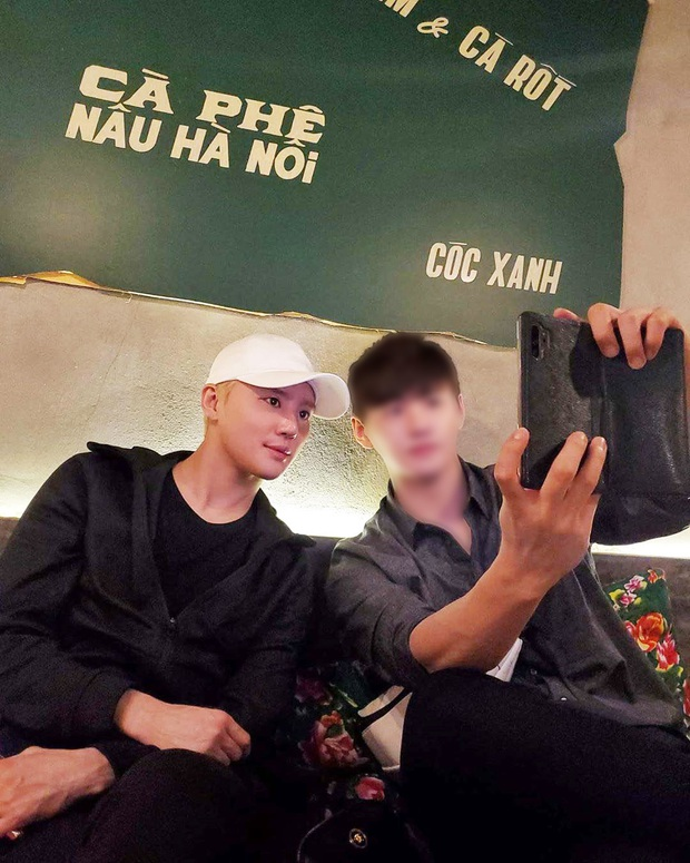 Junsu (JYJ) bất ngờ xuất hiện tại Đà Nẵng đúng dịp Tết: Sang làm rể Việt rồi đúng không anh? - Ảnh 1.