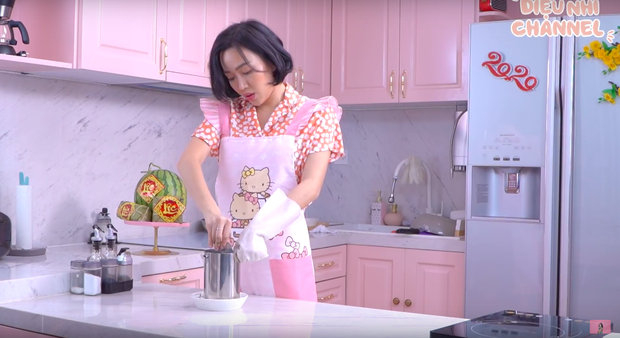 """Gái đảm Vbiz gọi tên Diệu Nhi: Từ trước Giao thừa đã quay vlog nấu món ăn ngày Tết, dù… """"có biết gì đâu mà dạy"""" - Ảnh 14."""