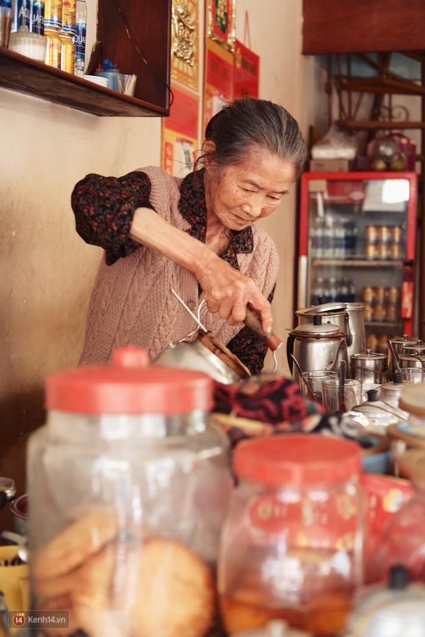 Tết này, người Đà Lạt chính thức mất đi góc cà phê vợt thân quen với tuổi đời hơn nửa thế kỷ ở quán bà Năm! - Ảnh 6.