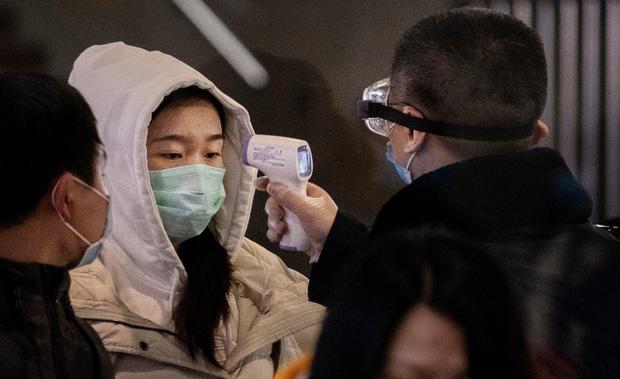 Tiết lộ bất ngờ về virus Vũ Hán: Ca nhiễm bệnh đầu tiên KHÔNG PHẢI đến từ chợ hải sản - Ảnh 3.