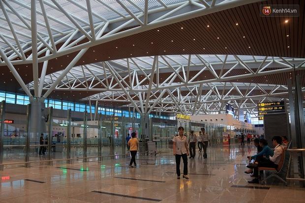 Một du khách Trung Quốc được cách ly khi vừa xuống sân bay Đà Nẵng vì bị sốt cao - Ảnh 1.