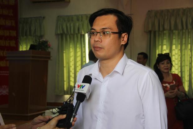 Ngoài 2 cha con người Trung Quốc, Việt Nam đang cách ly 35 trường hợp khác có triệu chứng sốt khi đi về từ vùng dịch - Ảnh 2.