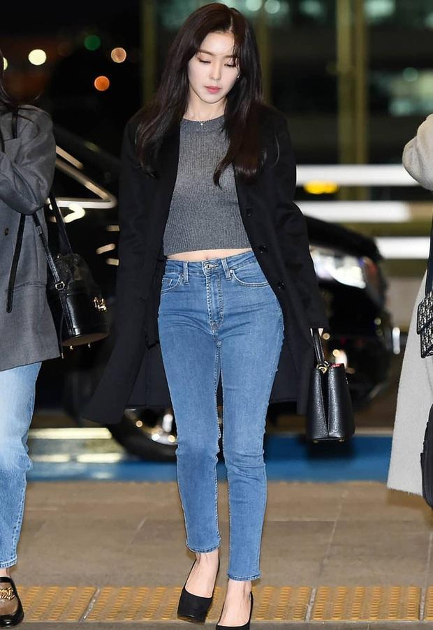 """Quần ống rộng trendy là thế nhưng Irene lại sủng ái quần skinny """"lỗi mốt"""" - Ảnh 1."""