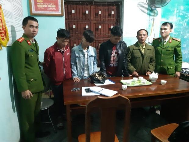52 người đốt pháo trong đêm giao thừa bị bắt giữ - Ảnh 1.