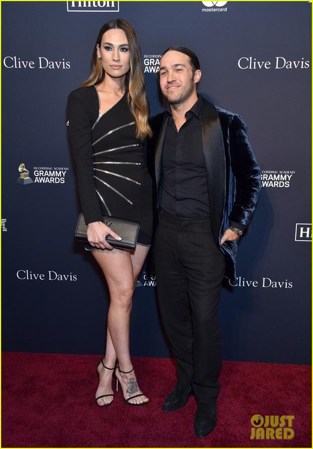 Thảm đỏ tiền Grammys: Cardi B khoe vòng 1 bỏng mắt với dáng chụp khó đỡ, Avril Lavigne và Hoa hậu Thế giới đọ sắc khốc liệt - Ảnh 17.