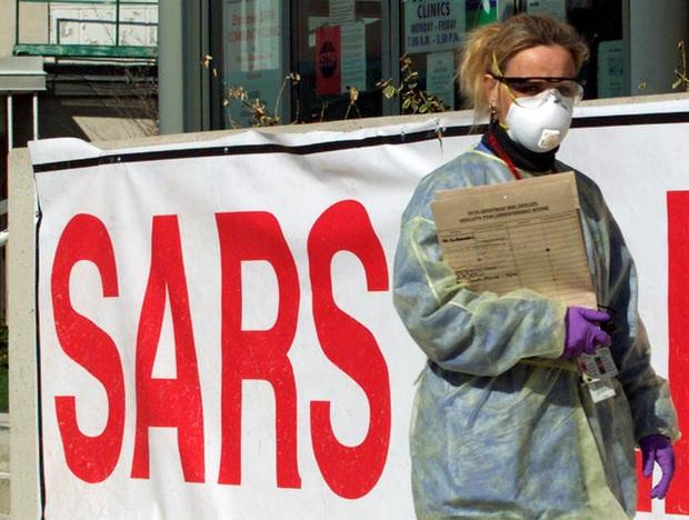 Không thể so sánh virus corona mới ngang với SARS: Đây là những điểm khác nhau cơ bản giữa hai dịch bệnh - Ảnh 4.