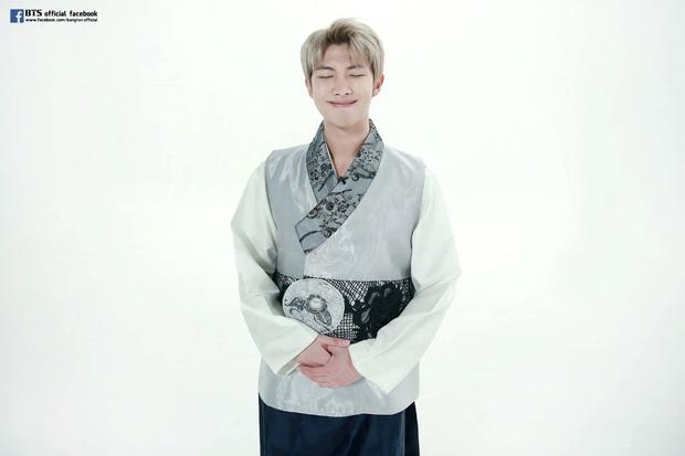 BTS lột xác khi diện hanbok trên show thực tế nhân dịp đầu năm mới - Ảnh 6.
