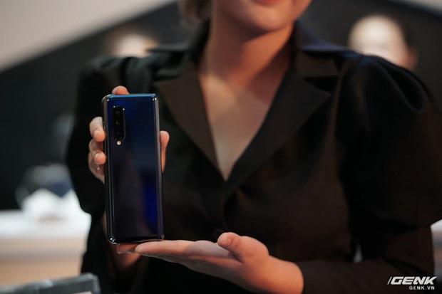 Galaxy Fold: Chiếc smartphone dành cho các sếp! - Ảnh 7.