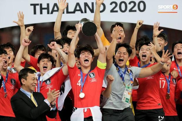 Dàn hot boy Hàn Quốc vỡ òa hạnh phúc khi nâng cao chiếc cúp vô địch U23 châu Á 2020 - Ảnh 6.