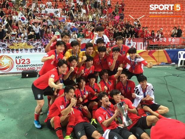 Dàn hot boy Hàn Quốc vỡ òa hạnh phúc khi nâng cao chiếc cúp vô địch U23 châu Á 2020 - Ảnh 7.