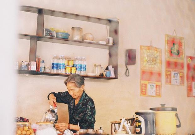 Tết này, người Đà Lạt chính thức mất đi góc cà phê vợt thân quen với tuổi đời hơn nửa thế kỷ ở quán bà Năm! - Ảnh 2.