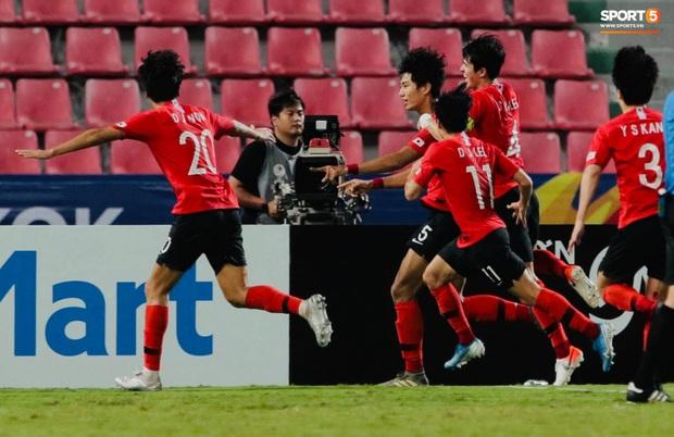 U23 Hàn Quốc 1-0 U23 Saudi Arabia: Trung vệ cao 1m94 ghi bàn thắng quý như vàng, người Hàn chính thức trở thành vua châu Á - Ảnh 4.