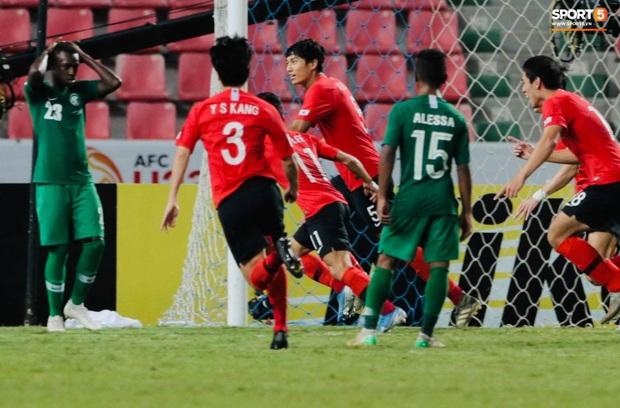 U23 Hàn Quốc 1-0 U23 Saudi Arabia: Trung vệ cao 1m94 ghi bàn thắng quý như vàng, người Hàn chính thức trở thành vua châu Á - Ảnh 3.