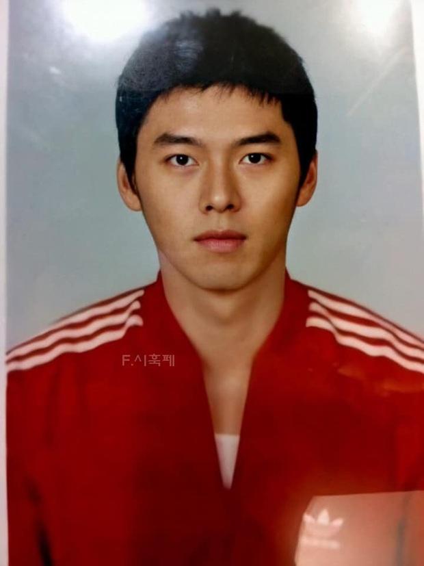 Nhan sắc gây ngỡ ngàng của HyunBin trong ảnh chứng minh thư: Nam thần Hàn Quốc đây chứ đâu! - Ảnh 1.