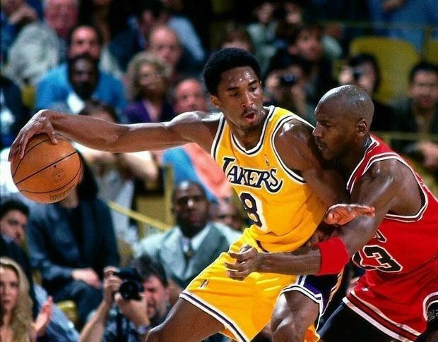 """""""Vua bóng rổ"""" Michael Jordan xót thương trước sự ra đi đột ngột của Kobe Bryant - Ảnh 2."""