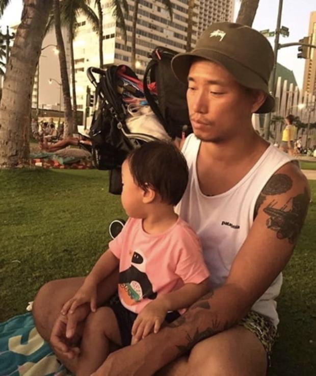 Kang Gary lần đầu khoe con trai, công khai danh tính sau 3 năm ở ẩn: Thiên tài ngôn ngữ, âm nhạc tương lai đây!