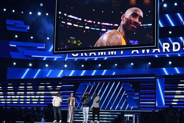 Nữ ca sĩ Alicia Keys dành cho huyền thoại xấu số Kobe Bryant màn tri ân đầy cảm xúc tại Grammy 2020 - Ảnh 5.