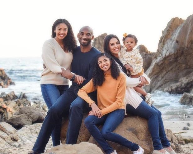 Dự định cuối cùng của hai cha con huyền thoại Kobe Bryant trước khi qua đời vì tai nạn rơi trực thăng: Họ sẽ mãi mãi sát cánh bên nhau - Ảnh 2.