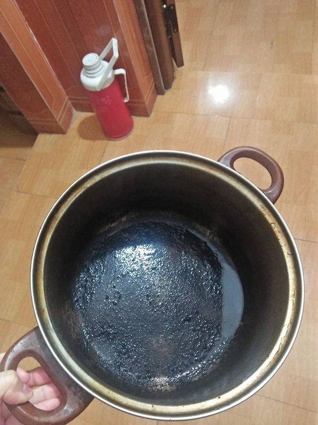 Tuyển tập những tai nạn nấu ăn ngày đầu năm: Còn mùng là còn Tết nhưng với hội gái đoảng thì không - Ảnh 11.