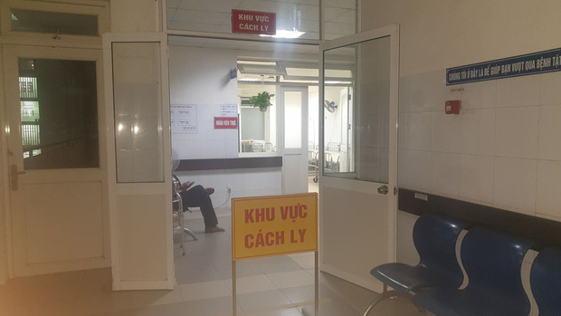 Lo ngại dịch bệnh virus Corona, nhà thờ nổi tiếng nhất Đà Nẵng tạm đóng cửa, không đón tiếp du khách - Ảnh 2.