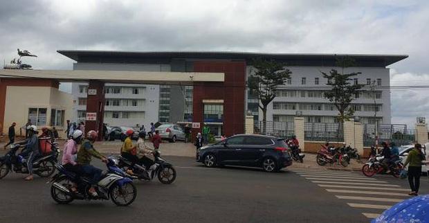Bệnh viện ở Đắk Lắk đang cách ly 1 bệnh nhân để xét nghiệm virus corona - Ảnh 1.