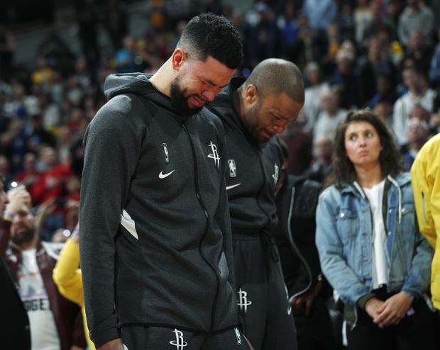 Những giọt nước mắt lăn dài tại NBA trong ngày huyền thoại Kobe Bryant vẫy tay từ biệt - Ảnh 5.