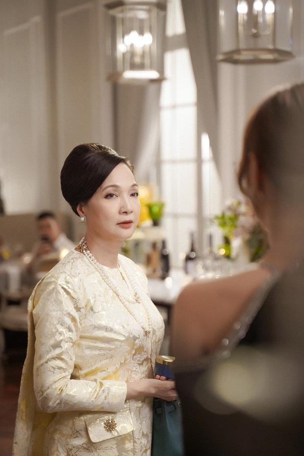 5 phim bóc phốt giới siêu giàu Việt: Từ nhà chồng đại gia ở Gái Già đến địa vị sang chảnh của Chị Trợ Lí đều gây choáng - Ảnh 3.