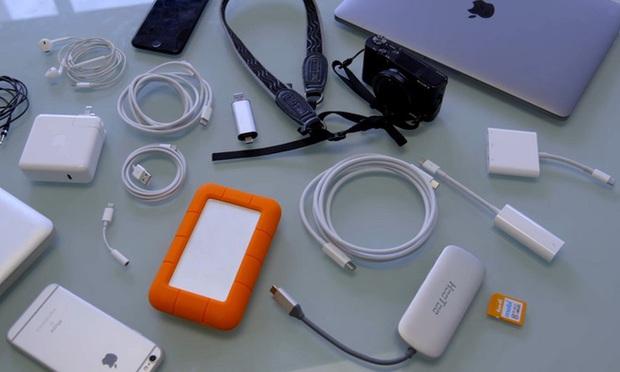 Apple đang ngày càng làm ô nhiễm Trái Đất vì khuyến khích dùng quá nhiều loại dây nối cáp sạc khác nhau - Ảnh 1.