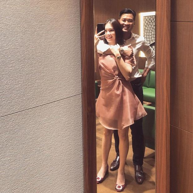 2 cặp đôi mới của Vbiz: Gu thời trang đồng điệu là một chuyện, càng nhìn càng thấy rõ nét phu thê - Ảnh 2.