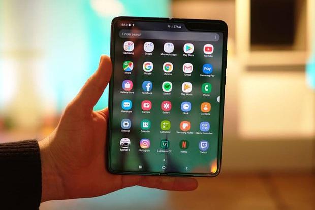 Số phận của smartphone hay laptop màn hình gập sẽ không thuộc về các nhà sản xuất phần cứng - Ảnh 1.