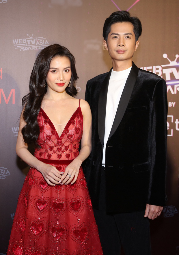 2 cặp đôi mới của Vbiz: Gu thời trang đồng điệu là một chuyện, càng nhìn càng thấy rõ nét phu thê - Ảnh 13.
