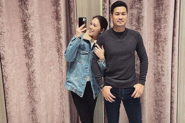 2 cặp đôi mới của Vbiz: Gu thời trang đồng điệu là một chuyện, càng nhìn càng thấy rõ nét phu thê - Ảnh 8.