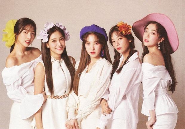 Red Velvet vượt BLACKPINK và TWICE trở thành nhóm nữ thế hệ 3 duy nhất đạt Triple Crown trên 3 đài lớn, đại diện gen 2 duy nhất là cái tên bất ngờ - Ảnh 1.