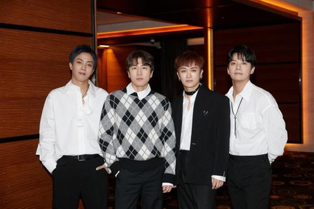 Thần tượng đời đầu YG trở lại: Mất hơn 20 năm để có mini album đầu tiên, nghẹn ngào về việc thành viên rời nhóm khiến fan BIGBANG đồng cảm - Ảnh 3.
