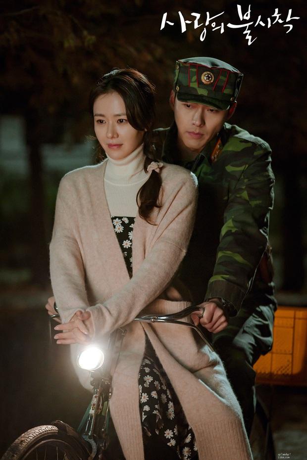 Rầm rộ loạt ảnh Hyun Bin và Son Ye Jin ở tầm tuổi 20: Ước gì 2 anh chị gặp nhau sớm hơn, nhìn đẹp muốn quỳ! - Ảnh 12.