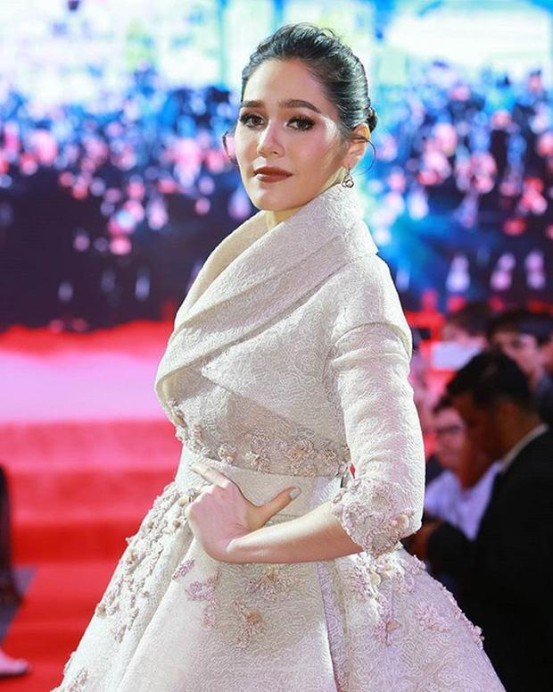 Phạm Băng Băng Thái Lan Chompoo: Từ nữ hoàng thảm đỏ Cannes đến bà mẹ hai con có cuộc sống đáng ghen tị - Ảnh 9.