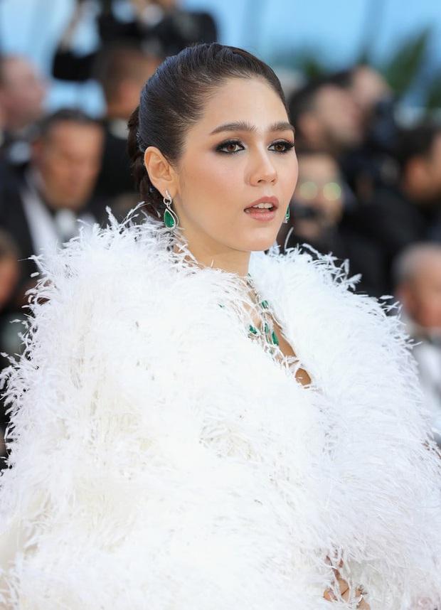 Phạm Băng Băng Thái Lan Chompoo: Từ nữ hoàng thảm đỏ Cannes đến bà mẹ hai con có cuộc sống đáng ghen tị - Ảnh 2.