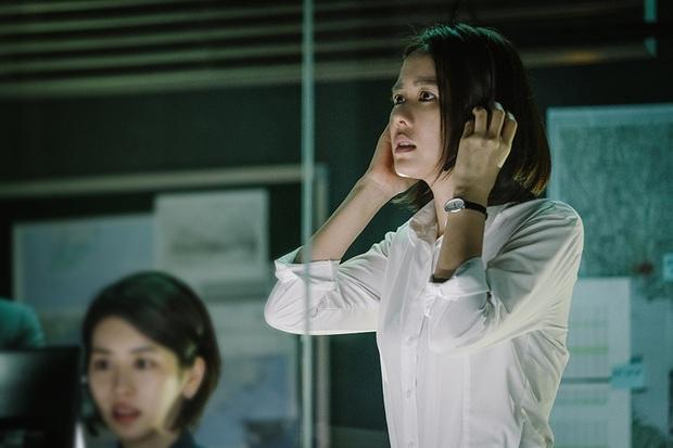 Xem gì nếu nhớ nhung đôi trẻ Crash Landing on You: Chuyện tình phi công của Son Ye Jin hay tài phiệt kì ảo Hyun Bin đây nhỉ? - Ảnh 15.