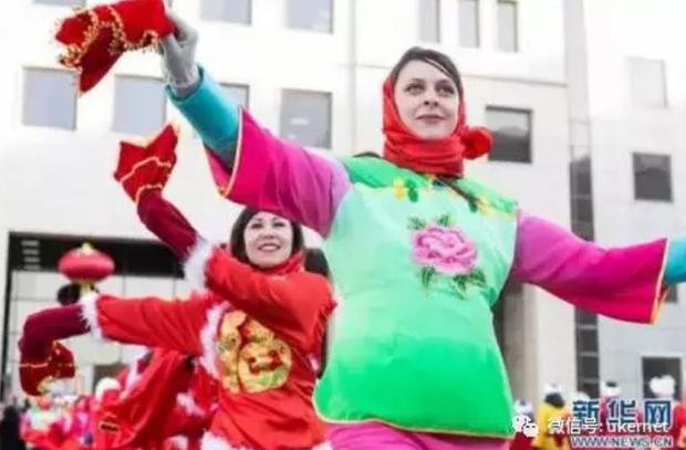 Tết của những người Trung Quốc xa xứ: Từ tổ chức Xuân Vãn ở xứ người đến các hoạt động Ăn Tết trực tuyến qua mạng Internet - Ảnh 8.
